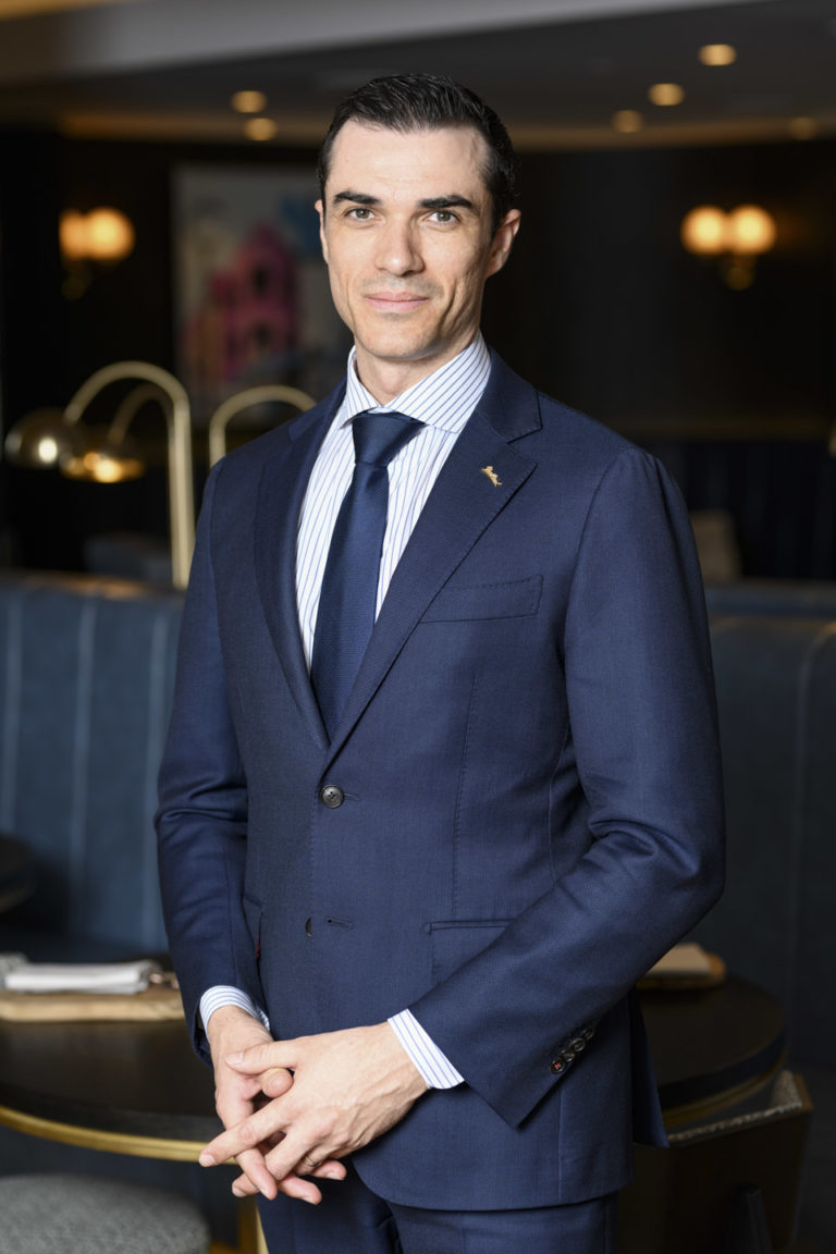 Portrait General Manager Radisson Blu